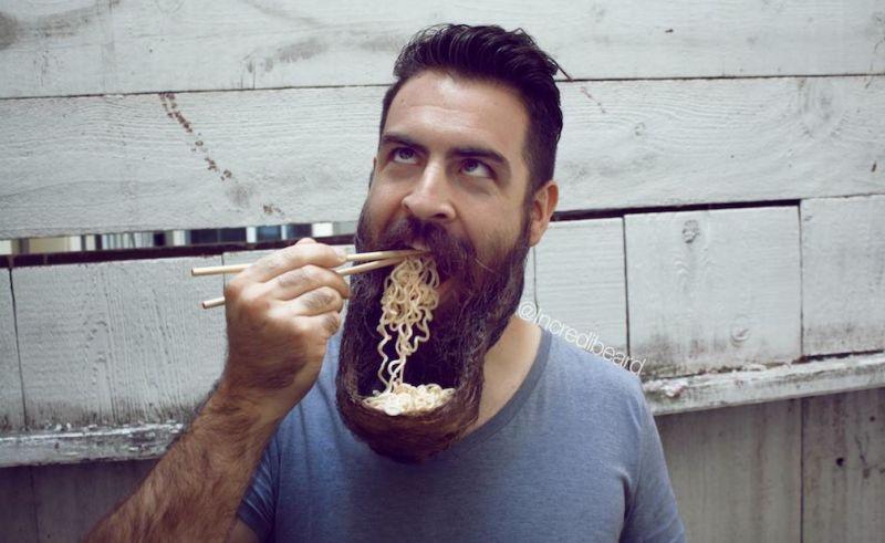 Jak jeść mając brodę