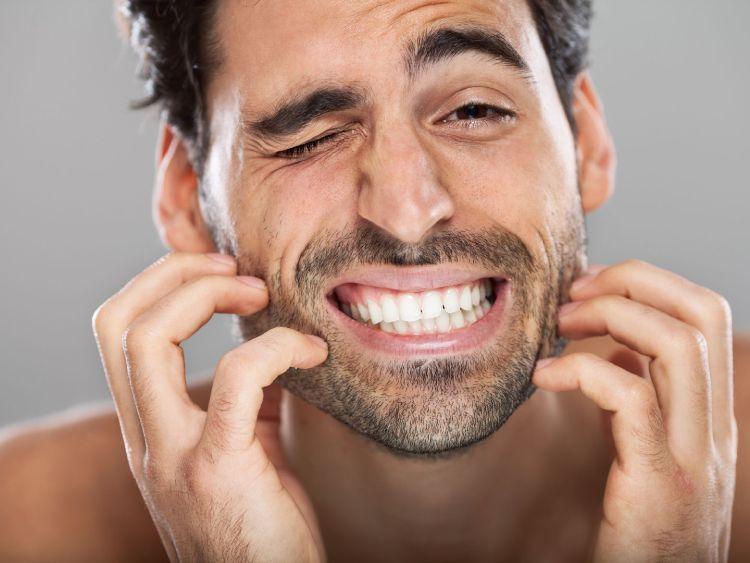jak się pozbyć swędzenia brody